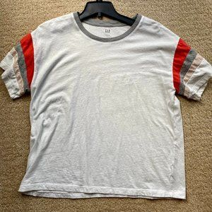 Gap Tshirt with sleeve/neck details